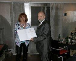 Specialist for marketing in international market