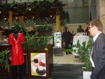 Výstava vintage oděvů s občerstvením od Kofoly (4)