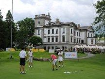 Ráno golf a večer party (6)