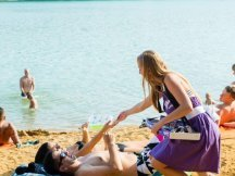 Milka softies beach promotion (2)