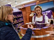 The Fall Shop-in-Shop with the Milka cow (2)