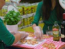Pizza Buitoni cracking at department stores (6)