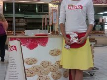 Bake cookies with Hera (4)